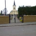 hřb zeď s bránou